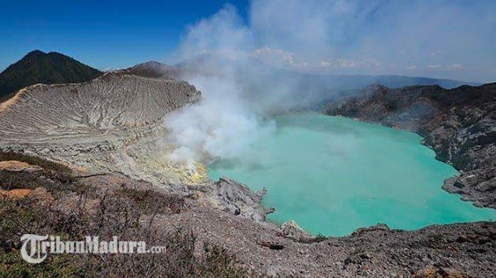 Taman Wisata Alam Kawah Ijen di Kabupaten Banyuwangi