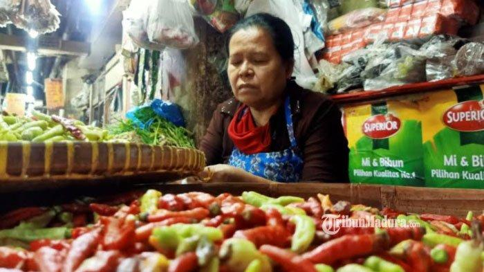 Harga Cabai Rawit Meroket, Pedagang Pasar Beralih Jualan Cabai Kering Karena Harganya Lebih Murah