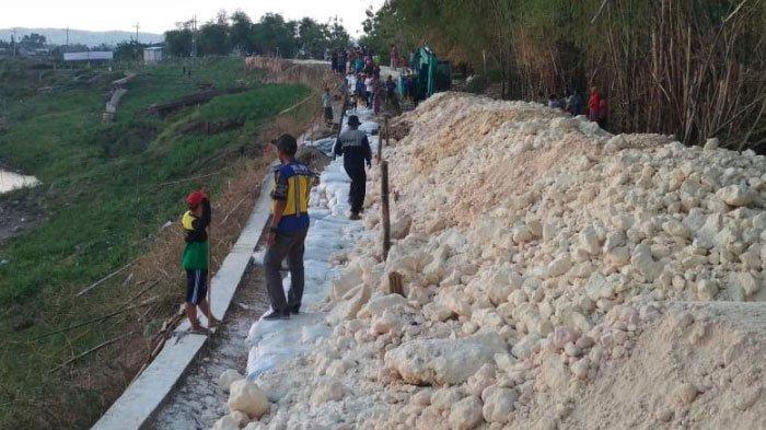 Tanggul Sungai Bengawan Solo Amblas, Warga Sekitar Dilarang Lakukan Aktivitas Tambang Pasir