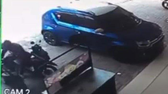 Hanya Butuh 10 Detik, Maling Motor di Surabaya Gondol Kendaraan Korbannya, Tak Sadar Terekam CCTV