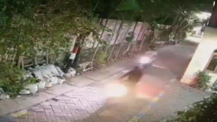 Wanita Surabaya ini Kedatangan Tamu Tak Diundang, Sadar Ada yang Janggal Dengar Alarm Motor Berbunyi