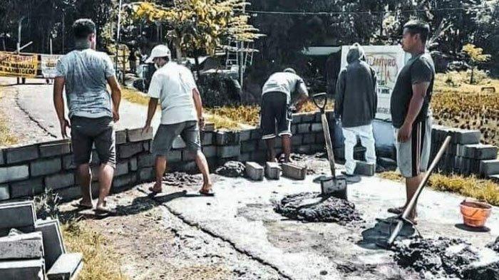 Gara-Gara Salah Paham Physical Distancing, Warga Dua Desa di Malang TutupJalan Pintu Masuk Wilayah