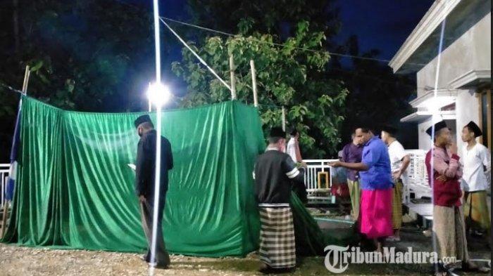 Tempat pemandian jenazah almarhum Rajae sudah selesai didirikan di sebelah timur rumah duka, Kamis (31/12/2020).