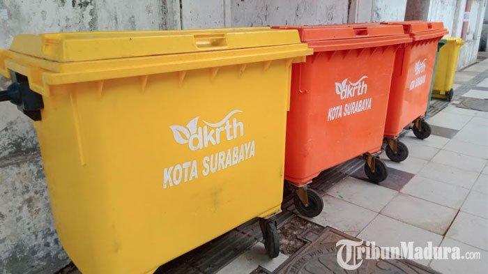 Sampah HasilPerayaan Malam Tahun Baru di Surabaya Capai3,68 Ton, Personel Kebersihan Dikerahkan