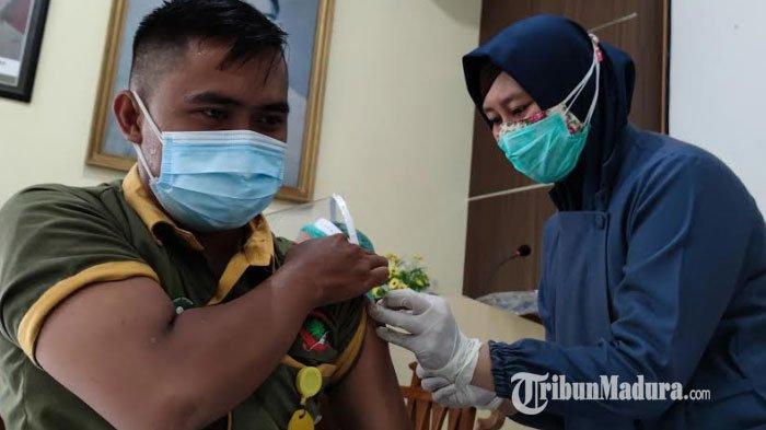 75 Nakes RSUD Dr Koesnadi Bondowoso Telah Divaksin, 2 Tenaga Kesehatan Gagal Divaksin Covid-19