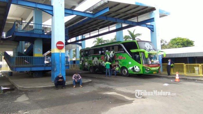Hanya Enam Bus AKDP dengan Stiker Khusus Beroperasi di Terminal Arjosari Malang saat Larangan Mudik