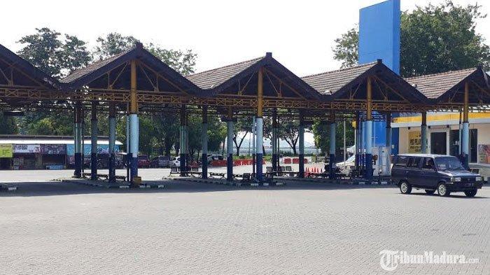 Hari Kedua PSBB Gresik, Barisan Bus AKAP dan AKDP di Terminal Bunder Ditutup Pakai Pembatas Jalan