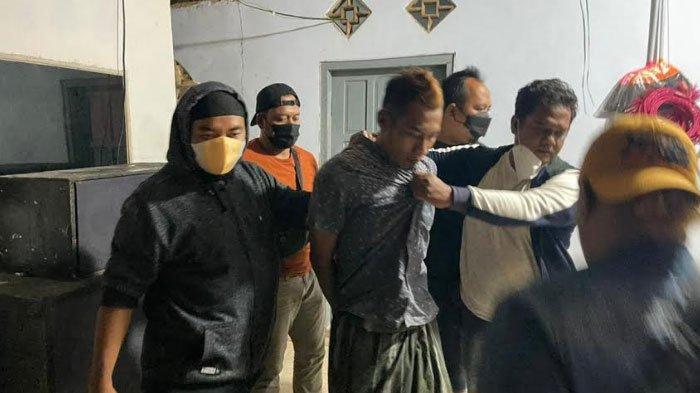 Polisi Tangkap DPO Curat asal Kecamatan Bluto Sumenep di Depan Sebuah Toko di Kabupaten Pamekasan