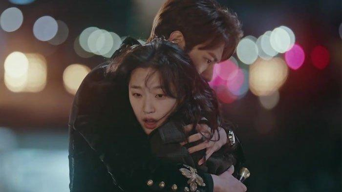 Lee Min Ho Peluk Erat Kim Go Eun di Teaser The King: Eternal Monarch, Drama Korea Siap Tayang April