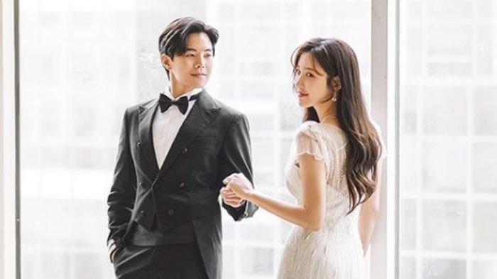 The Penthouse Tamat, Park Eun Seok dan Lee Ji Ah Kompak Unggah Kebersamaan Logan Lee - Shim Su Ryeon