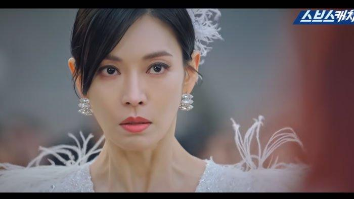 Biodata Kim So Yeon, Pemeran Cheon Seo Jin Drama Korea The Penthouse, Mengawali Karier sebagai Model