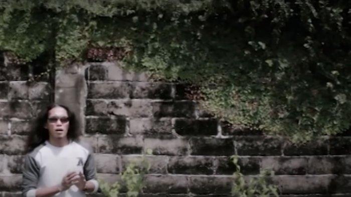 Download Lagu Viral TikTok Thomas Arya - Izinkan, Simak Juga Liriknya: Ku rasakan perhatianmu