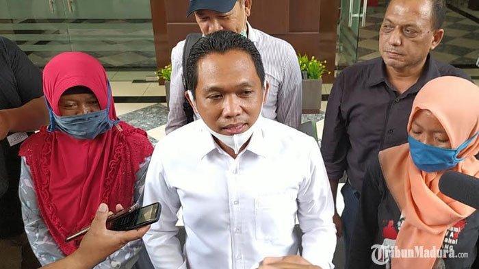 Bupati Lumajang Diperiksa Penyidikselama 5 Jam,Thoriqul Haq Dicecar Pertanyaansoal Tanah Sengketa