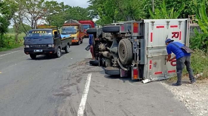 Tiga Kendaraan Bus, Truk Box dan Motor Terlibat Kecelakaan Beruntun di Jalur Pantura Tuban