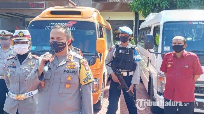 Tiga Travel Gelap Angkut Pemudik Diamankan Petugas di Tiga Check Point Kabupaten Malang