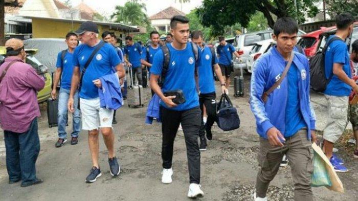 Imbas Corona, Begini Cara Tim Pelatih Jalin Komunikasi dengan Pemain Arema FC Meski Libur Panjang