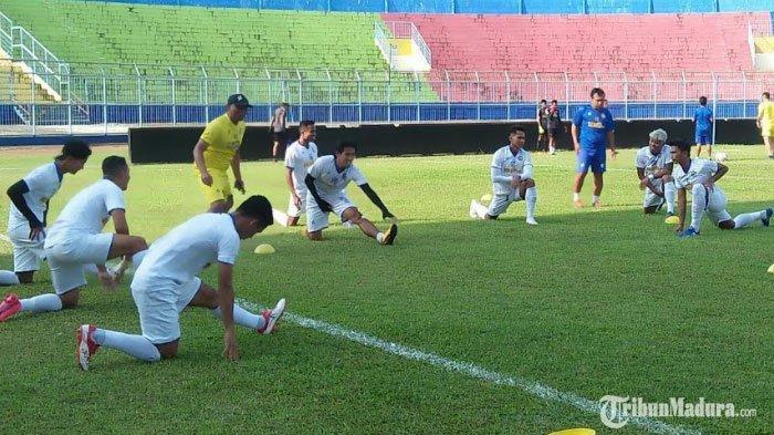 Tim Arema FC berlatih diStadion Kanjuruhan