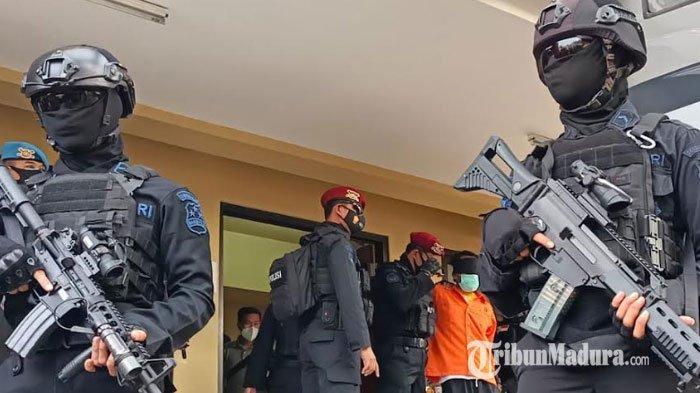 Densus88 Tangkap 22 Tersangka Teroris Jaringan Jamaah Islamiyah Jatim, Wakapolda: Rekrut 50 Orang