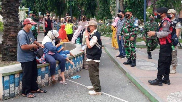 Satgas Covid-19 Intens Awasi Disiplin Masyarakat Terkait Protokol Kesehatan di Alun-alunLamongan