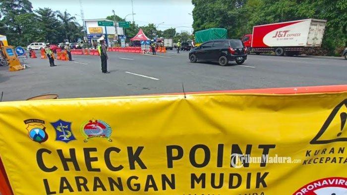 Titik penyekatan di perbatasan Surabaya, Rabu (5/5/2021).