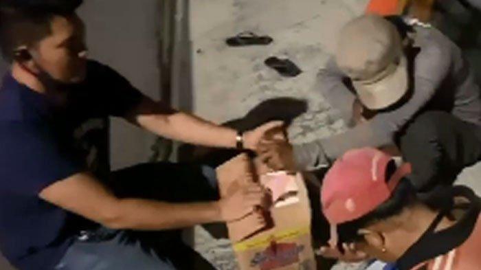 Crazy Rich Surabaya Bagikan Paket Sembako dan Uang Jutaan Rupiah, Sindir Video Ferdian Paleka