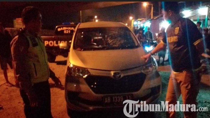 Toyota Avanza Suporter PSS Sleman Dilempar Batu di Jembatan Tol Mojokerto usai Laga Lawan Persela