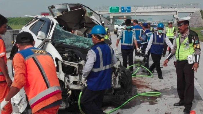 Toyota Fortuner Hajar Truk di Tol Madiun-Surabaya, 3 Orang Tewas, Begini Kronologi & Pengakuan Sopir