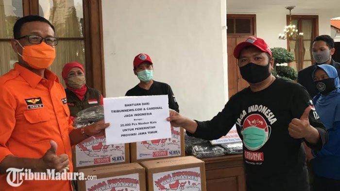 Tribunnews dan Cardinal Serahkan 35.000 Masker Non Medis Pada Pemprov Jatim
