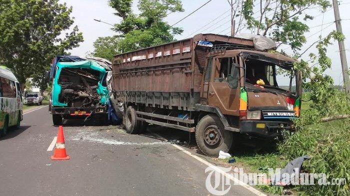 Asyik Ganti Ban, Truk Sutrisno di Sampang Ditabrak Fuso Dari Belakang dan Membuatnya Meregang Nyawa