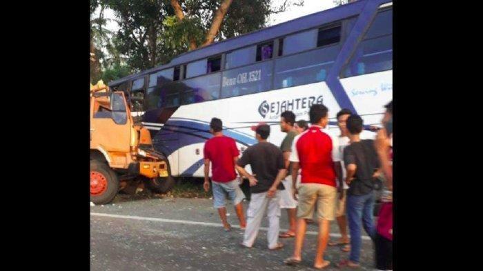 Seorang Kernet di Tanjung Morawa Tewas dalam Kecelakaan, Bus Sejahtera Ditabrak Truk dari Belakang