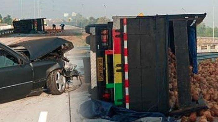 Buah Kelapa Berhamburan di Jalan Tol Usai Truk Pengangkut Kelapa Tabrak Mobil Sedan dan Terguling