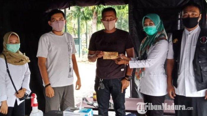 Urdokkes Polres Pamekasan Lakukan Pemeriksaan Kesehatan pada Petugas Jaga di Pos Pengamanan Ketupat