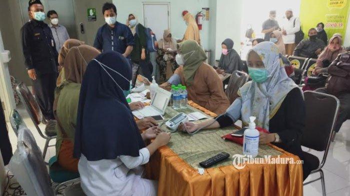 Persiapan Ibadah Haji, Ratusan Calon Jemaah Haji asal Kota Malang Mengikuti Vaksinasi Covid-19