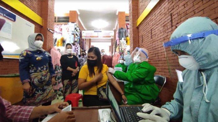 Sebanyak 3.520 Pedagang Pasar di Kota Mojokerto Disuntik Vaksin Covid-19