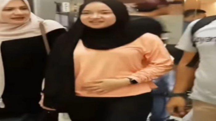 Nissa Sabyan Diisukan Hamil Usai Beredar Video Elus Perut, Mbah Mijan: Bentar Lagi Bakal Punya Cucu!