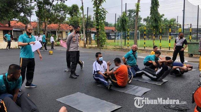 Wakapolres Pamekasan Tinjau Langsung Pelaksanaan TKJ, Berharap Personel Tetap Sehat saat Bertugas