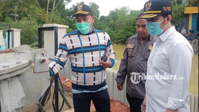 Usai Banjir Rendam Sampang, Wagub Emil Dardak Tinjau Langsung Pompa Air yang Dikelola Pemprov Jatim