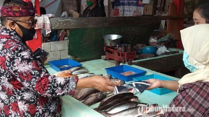 Jelang New Normal, Wali Kota Blitar Menyuruh Pedagang Tutup Lapaknya Jika Tak Pakai Masker
