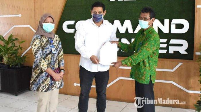 Wali Kota Kediri Abdullah Abu Bakar Hibahkan Gajinya untuk APD Tenaga Medis yang Tangani Covid-19