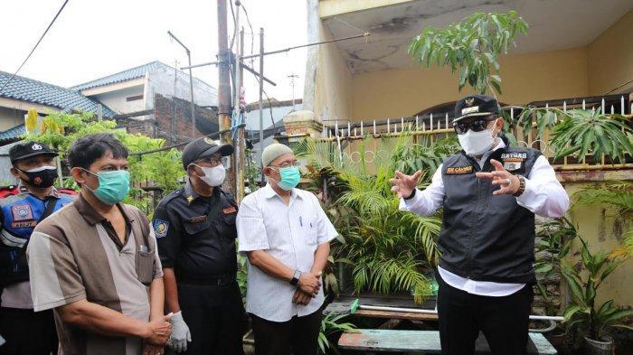 Wali Kota Eri Cahyadi Blusukan ke Wilayah Zona Merah Surabaya, Temukan 1 Keluarga Positif Covid-19