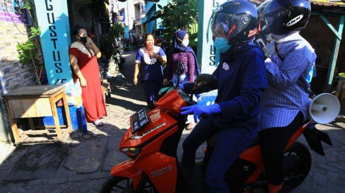 Pakai Bahasa Madura, Risma Blusukan ke Perkampungan Surabaya Utara Imbau Warga agar Kenakan Masker