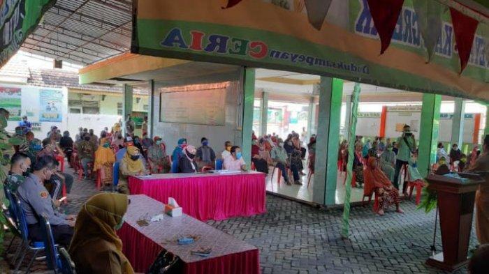 DPRD Soroti Pembagian BLT Masih Kumpulkan Massa saat PSBB di Kabupaten Gresik