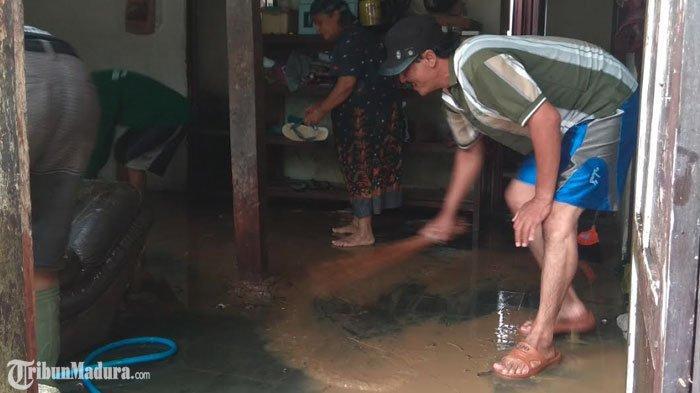 Jatim Diterjang Banjir, Kepala Dinkes Jatim Imbau Masyarakat Waspada Bencana Pasca Banjir