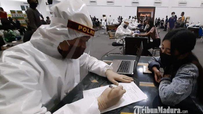 Rapid Test Pelanggar PSBB Surabaya Ada yang Reaktif, Polisi Imbau Warga Jangan Nongkrong di Warkop