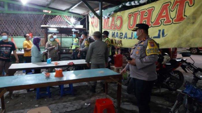 Ulah Nakal Pemilik Warung Kopi saat PPKM Surabaya, Langgar Jam Operasional hingga Ubah Posisi Kursi