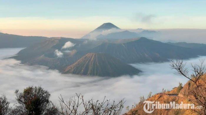Mulai Tahun Depan, Pembelian Tiket ke Gunung Bromo Dilakukan Online untuk Travel Agent dan Wisatawan