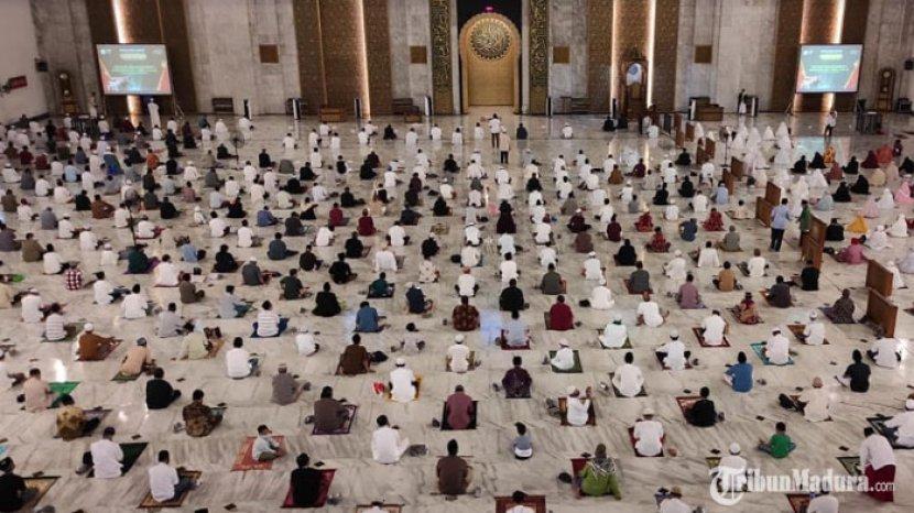 gelaran-salat-idul-adha-masjid-al-akbar-surabaya.jpg