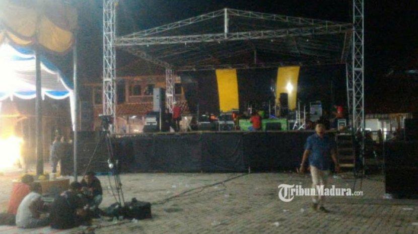 panggung-hiburan-orkes-dangdut-kecamatan-tragah.jpg