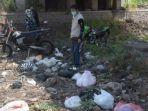 ahmad-dawami-menemukan-sampah-popok-bayi-di-sungai.jpg
