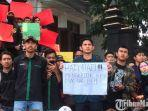 aksi-demonstrasi-mahasiswa-di-depan-gedung-dprd-kota-malang.jpg